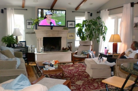 Great room: 55 inch flat screen TV with Bose sound system...open to the kitchen