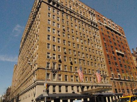 ... Fifth Avenue - Greenwich Village Classic- 2 bedroom, 2 bath in Doorman