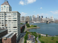 View from the Manhattan Bridge on the Waterfront park in Dumbo
