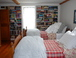 Middle guest room library