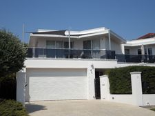 Mornington_Exterior_2013.jpg