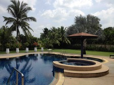 pool_view_from_dining_area.jpg