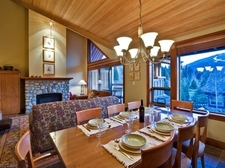 39366_Dining and living areas.JPG