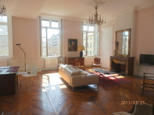 Lyon_livingroom_and_Pl._Carnot_190.jpg