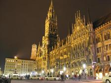 88688_Rathaus at Night.jpg