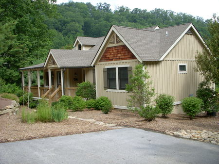 Bear Lake Cottage in summer: More mature landscaping!