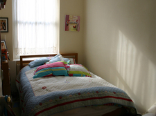 93853_parents bedroom.jpg