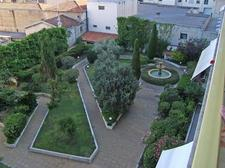 94859_01 Garden courtyard.JPG