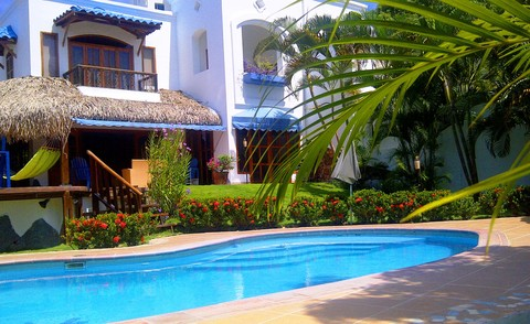Your Private Villa in the Tropcs: Refinement and tropical elegance for an unforgettable holiday!